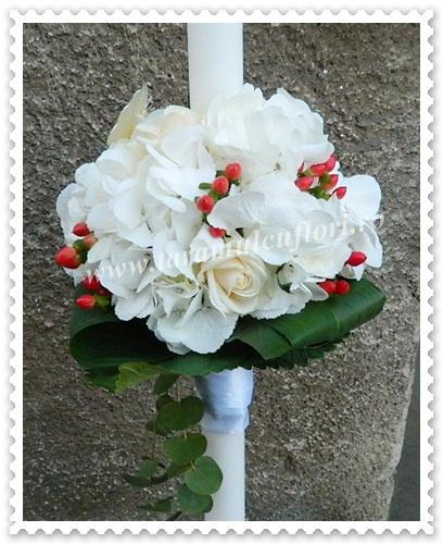Lumanari nunta din hortensie-trandafiri si hipericum.4121
